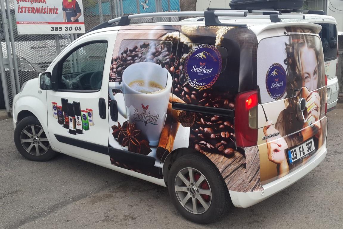 Ankara araç giydirme işlemi,  halk arasında araba reklamı, araba üstü reklam gibi terimlerle tanınmaktadır. Bu reklam uygulaması Cast Folyo isimli 0,11 – 0,13 mm kalınlığında yapışkan P (2)
