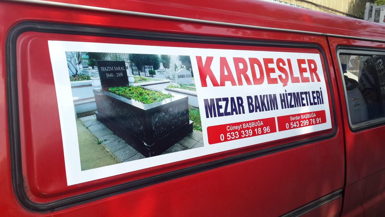Ankara araç giydirme işlemi,  halk arasında araba reklamı, araba üstü reklam gibi terimlerle tanınmaktadır. Bu reklam uygulaması Cast Folyo isimli 0,11 – 0,13 mm kalınlığında yapışkan PVC ile y (3)