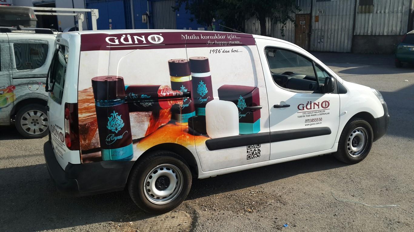 Ankara RAraç giydirme işlemi,  halk arasında araba reklamı, araba üstü reklam gibi terimlerle tanınmaktadır. Bu reklam uygulaması Cast Folyo isimli 0,11 – 0,13 mm kalınlığında yapışkan PVC ile  (6)