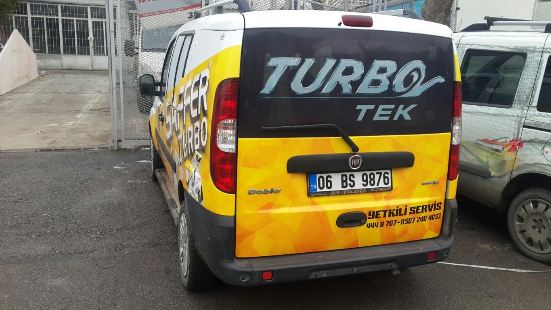 Araç giydirme işlemi,  halk arasında araba reklamı, araba üstü reklam gibi terimlerle tanınmaktadır. Bu reklam uygulaması Cast Folyo isimli 0,11 – 0,13 mm kalınlığında yapışkan PVC ile yapılan b (2)