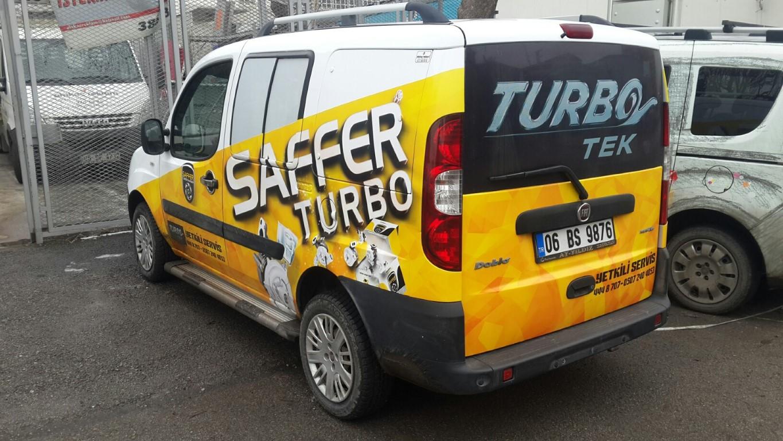 Araç giydirme işlemi,  halk arasında araba reklamı, araba üstü reklam gibi terimlerle tanınmaktadır. Bu reklam uygulaması Cast Folyo isimli 0,11 – 0,13 mm kalınlığında yapışkan PVC ile yapılan b